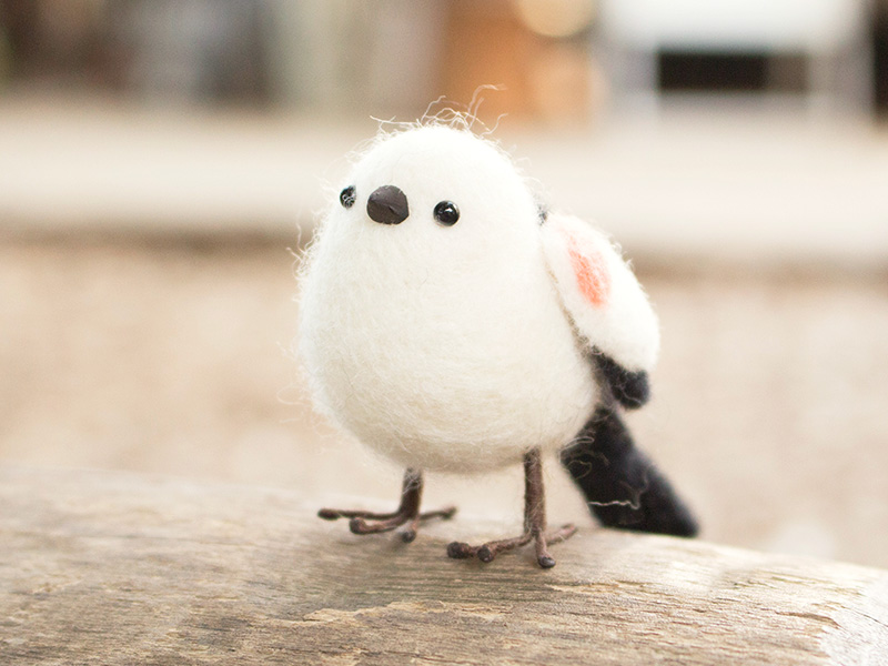 mochimochiと一緒に、羊毛フェルトでシマエナガを作ろう!